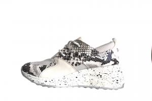Sneakers snake