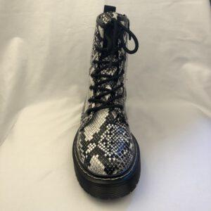 zwarte boots met twee gespen en sier ritsen (zilver kleurig) A 563